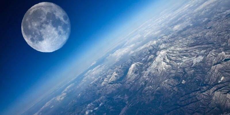 Япония планирует установить на Луне рекламные щиты