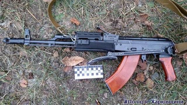 На железнодорожной станции в Дергачах парень открыл стрельбу из карабина