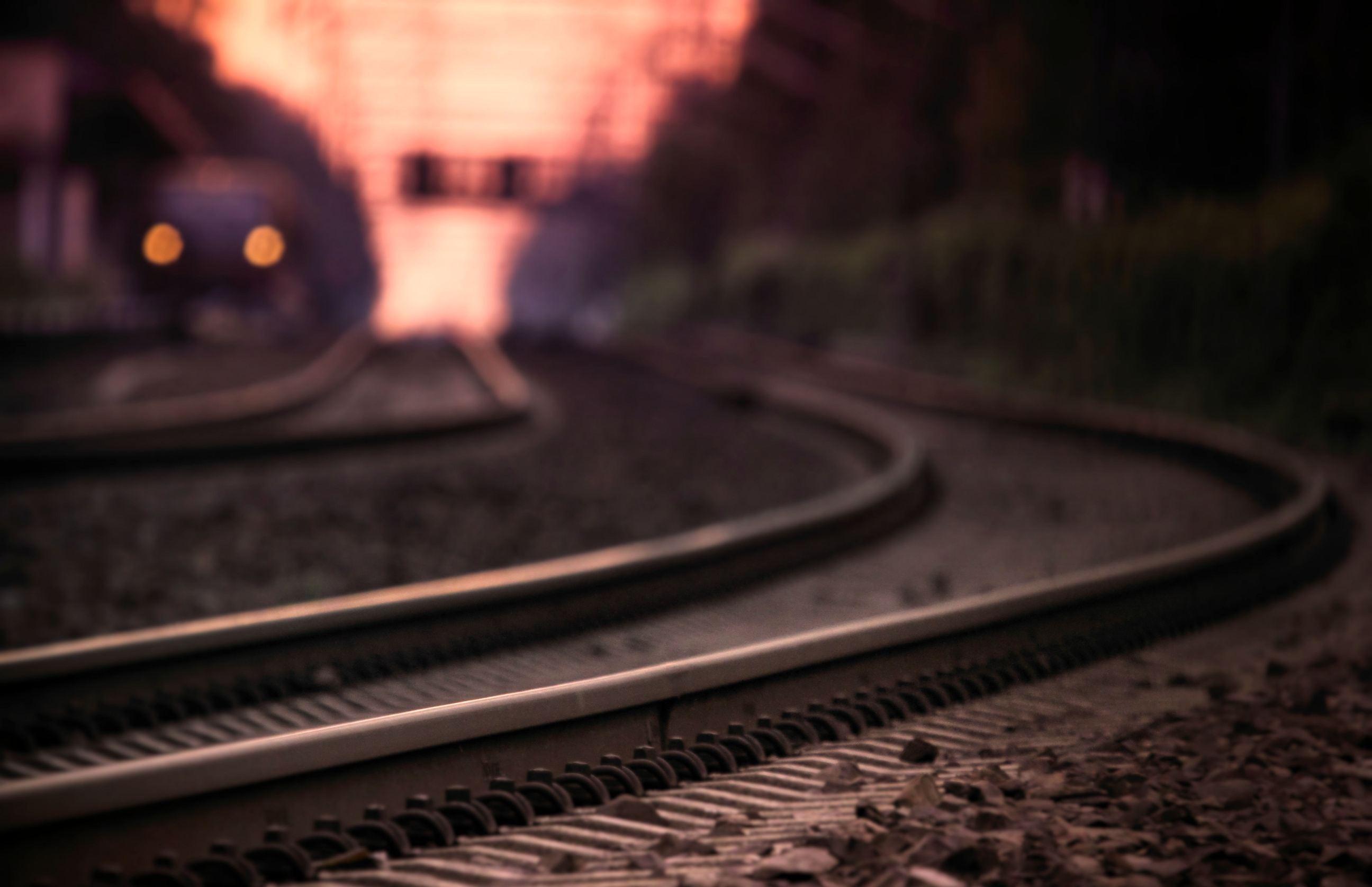 На перегоне «Павлоград-Лозовая» мужчину переехал поезд