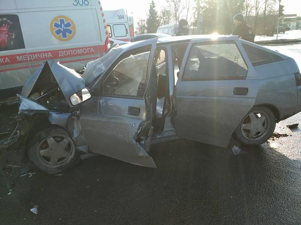 Авария произошла на перекрестке проспекта Льва Ландау и улицы Киргизской