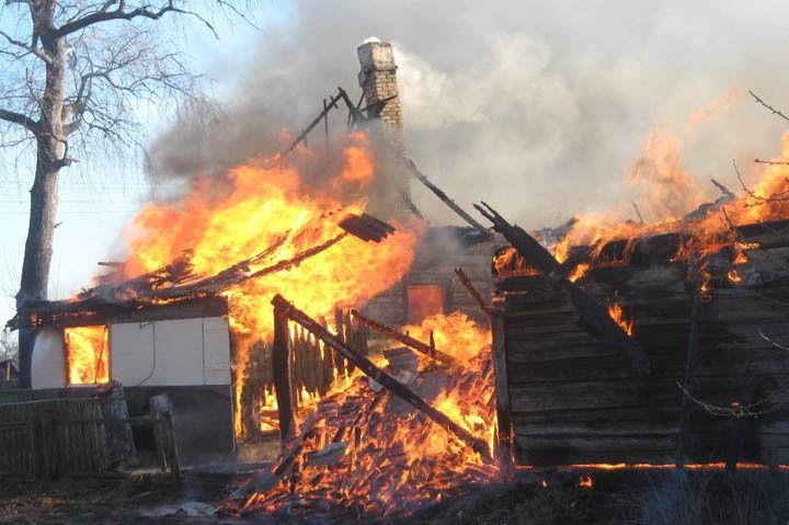 На пожаре под Харьковом погибла женщина