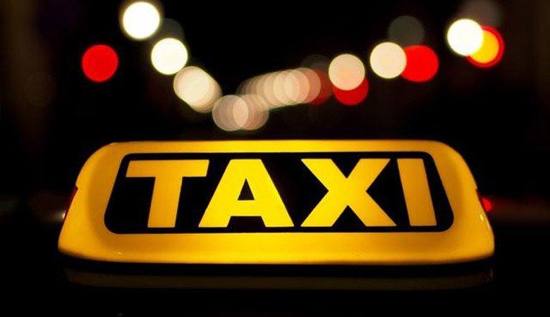 Обнаружено авто пропавшего таксиста со следами крови