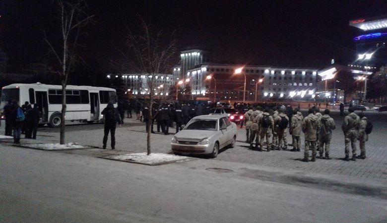 В центре Харькова подрались футбольные фанаты (ВИДЕО)