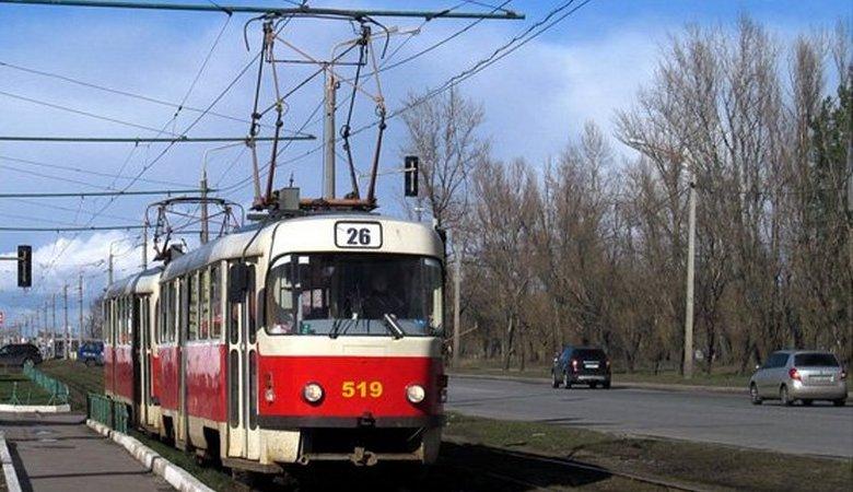 В мэрии обещают отремонтировать трамвайные вагоны и реконструировать переезды
