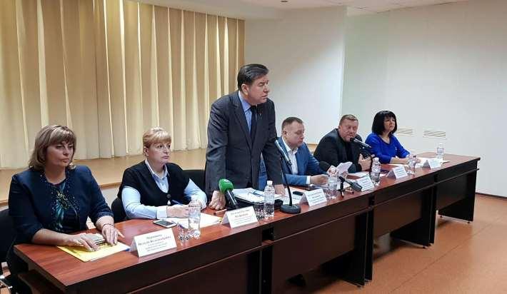 Как проходили дебаты по повышению тарифов на воду в Харькове (ВИДЕО)