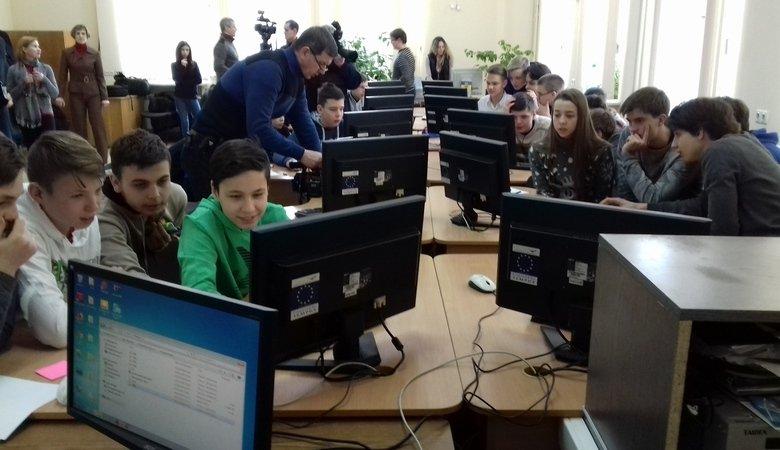 В Харькове впервые прошли соревнования для детей по кибербезопасности (ВИДЕО)