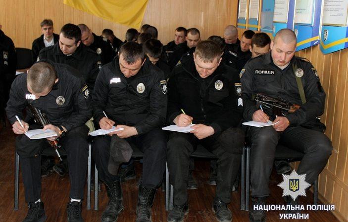Харьковских патрульных учили отличать демонстрацию суицида от настоящего намерения покончить жизнь самоубийством