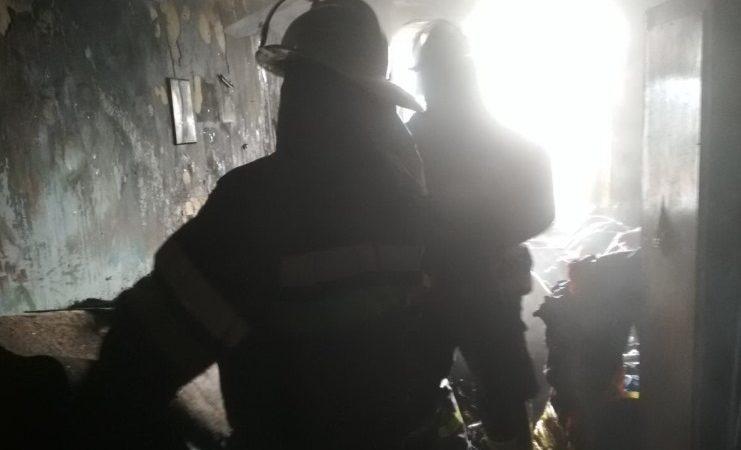На Валдайской произошел пожар в многоэтажке