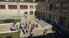 В Николаеве госпитализировали 36 школьников из-за распыления неизвестного вещества