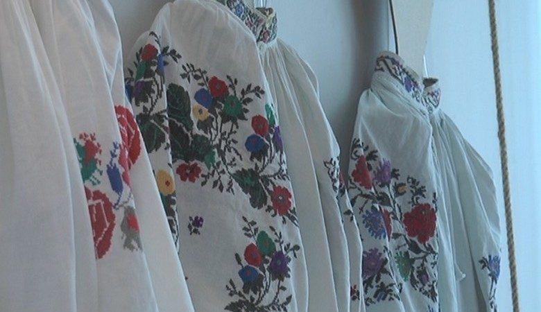 В центре культуры и искусств проходит выставка «Изюминка украинского стиля» (видео)