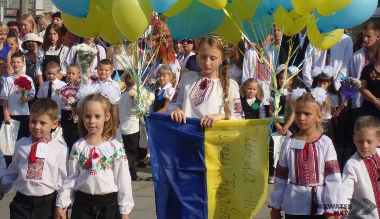 В первый класс – по новым правилам. Министерство образования уравняло детей в правах (видео)