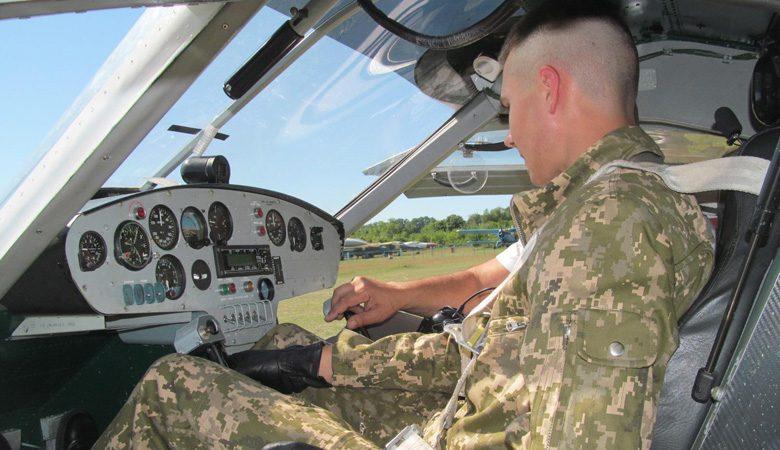 Рождение «соколов украинской авиации». Сегодня у будущих военных пилотов началась первая практика (видео)