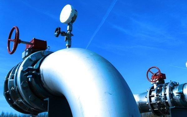 На Харьковщине КамАЗ повредил газопровод