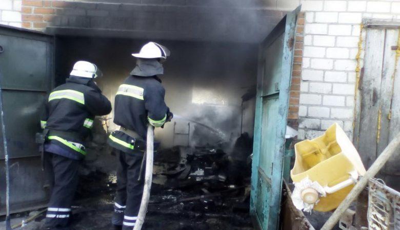 В Харьковской области мужчина получил ожоги рук во время пожара в своем гараже