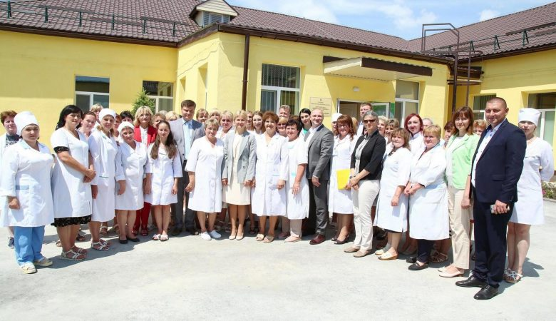 После капитального ремонта открыта Дергачевская центральная районная больница (видео)