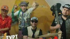 Группа «Шалена хвиля» устраивает для громады и гостей Изюма бесплатный рок концерт