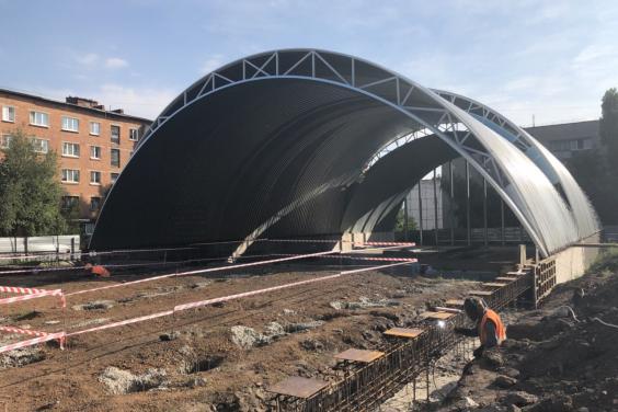 Светличная проверила ход строительства Красноградского ФОКа