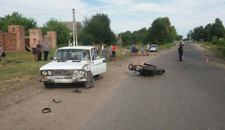 Мотоцикл врезался в ВАЗ: мужчина погиб на месте аварии (ФОТО)