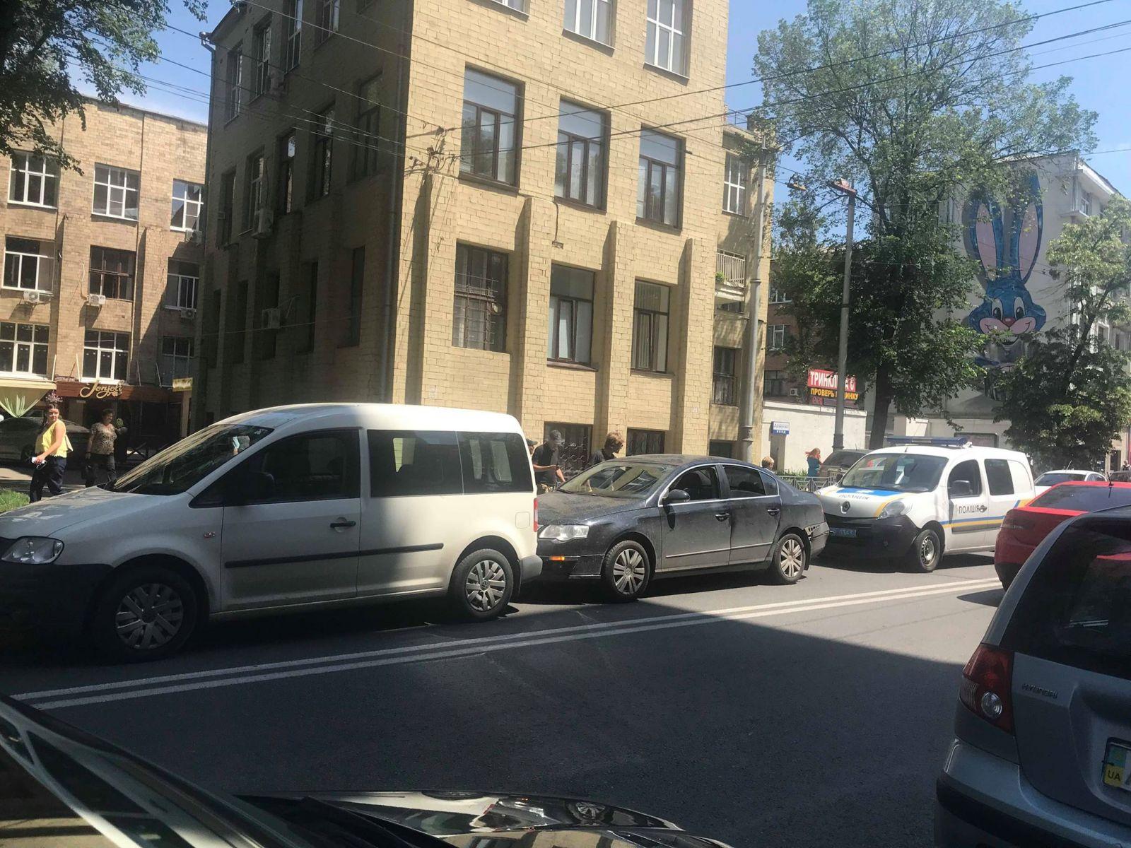 В Харькове тройное ДТП с участием полицейского автомобиля