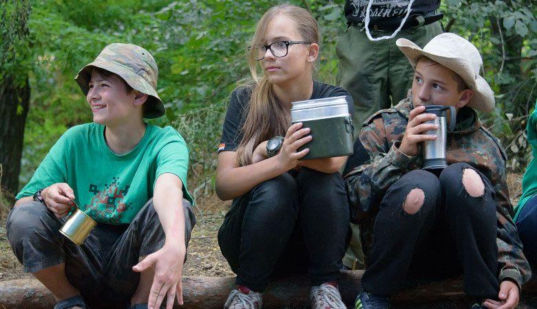 На Старом Салтове работает детский лагерь пластунов