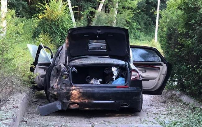 """Во время взрыва автомобиля гендиректора фармкомпании """"Здоровье"""" в салоне находились три человека"""
