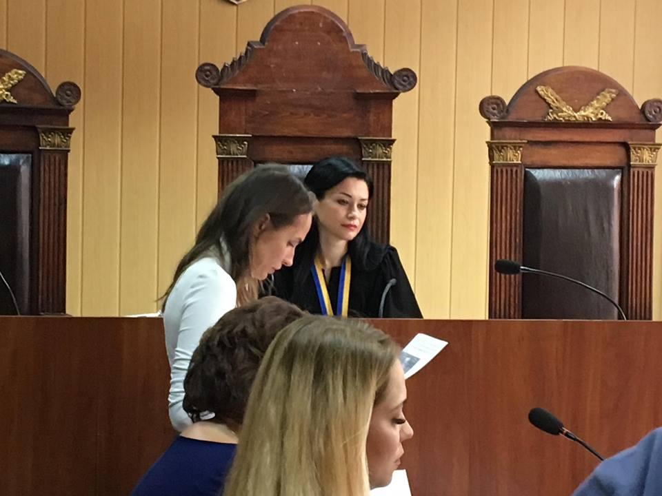 Татьяна Цыбульник будет возглавлять Новобаварский район под домашним арестом