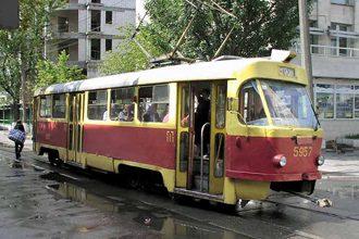 Кернес: Не пришло время новых трамваев, пришло время реконструкции старых