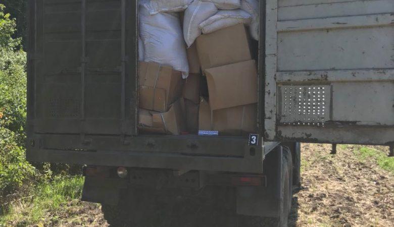В Харьковской области задержали грузовик с табаком на сумму 170 тысяч гривен (фото)