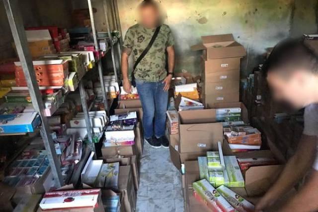 В магазинах и на складах Харькова прошли обыски