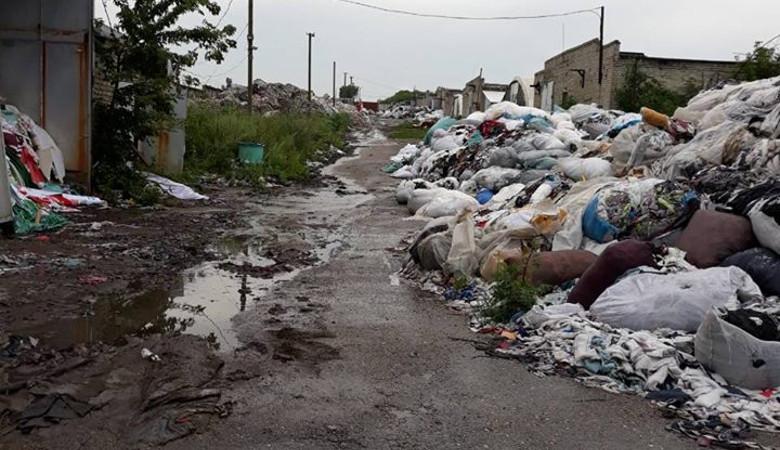 На помойке под Харьковом производили матрасы, набитые мусором