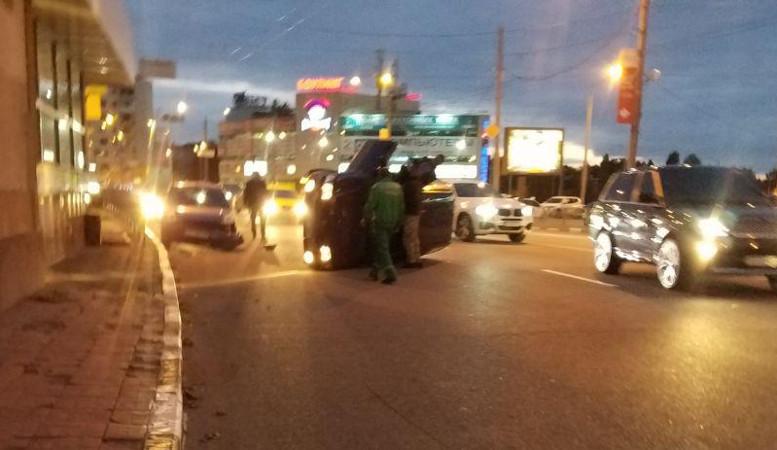 В Харькове снова произошло ДТП с переворотом (фото)