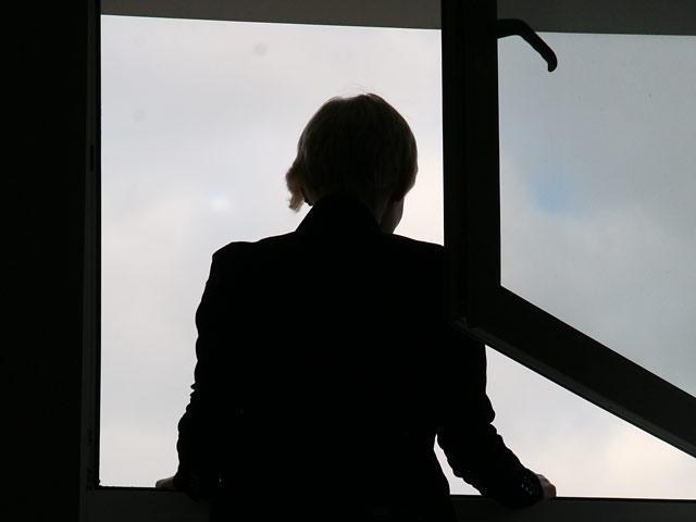 В Харькове женщина выбросилась из окна