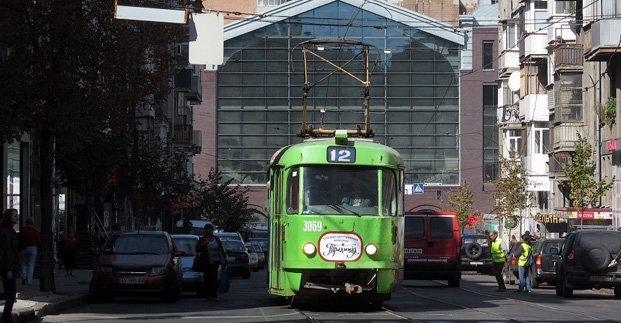 Несколько дней трамваи 20 и 12 будут ходить через Новый мост