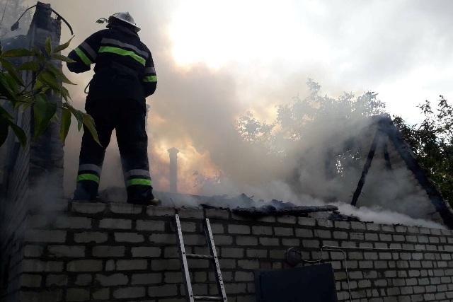 В садовом товариществе под Харьковом произошел пожар (фото)