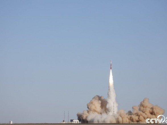 Первый блин – комом: В Китае испытали коммерческую ракету (фото)