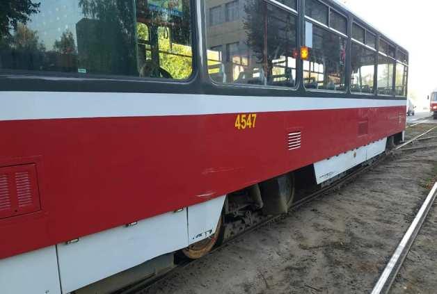 На Плехановской столкнулись трамвай и ВАЗ