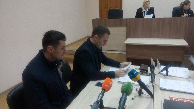 Адвокат подозреваемого полицейского Ильченко сообщил, что на видео не его подзащитный