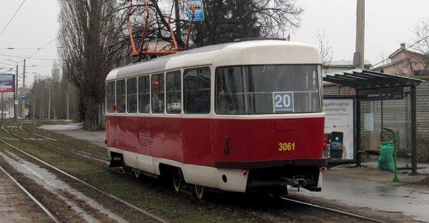Трамваи 12 и 20 четыре дня будут ходить через Новый мост