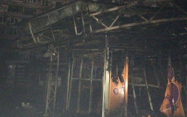Выясняется причина пожара в киоске частных предпринимателей в Харькове
