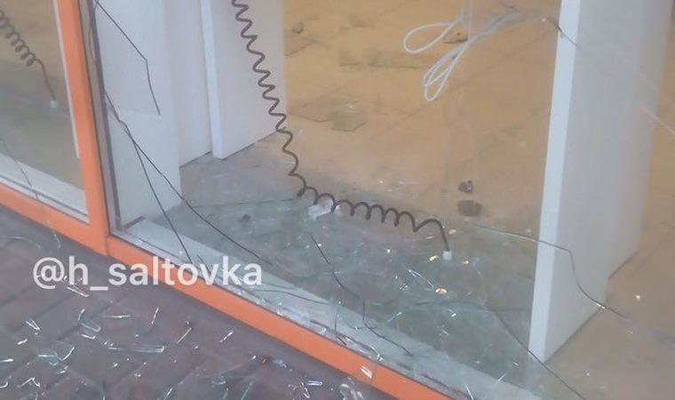 В Харькове ограбили магазин мобильной связи (фото)