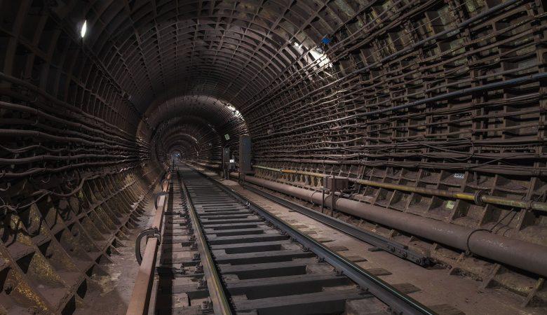 В Харькове неизвестные проникли в тоннель метрополитена на станции «Победа»
