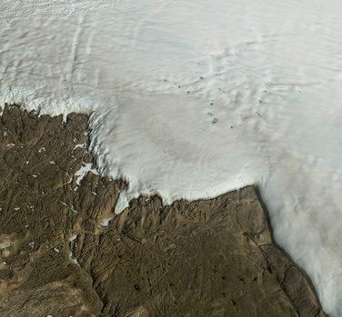 Больше, чем Париж: огромный кратер обнаружили в Гренландии (видео)