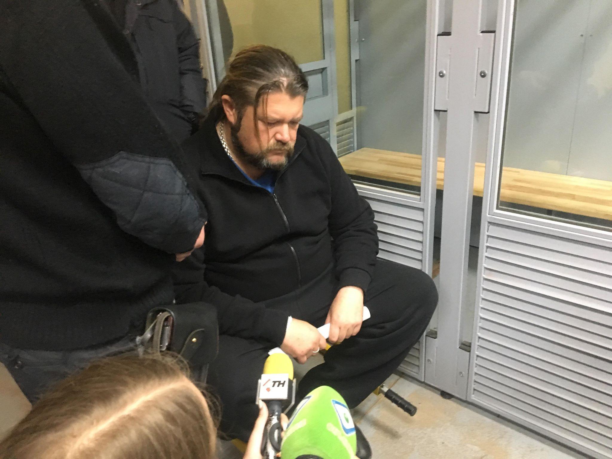 Водителю Lexus, сбившему пешеходов в Солоницевке, стало плохо в суде