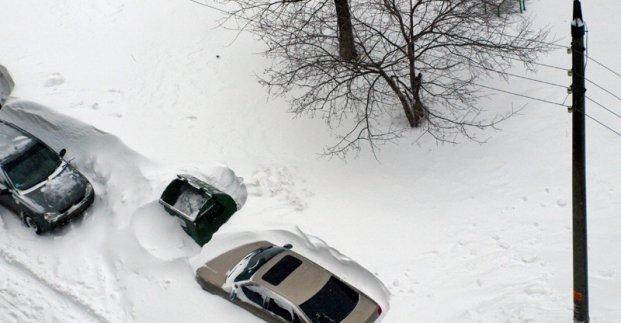 Жителей Харькова просят не парковать машины на улицах
