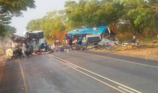 Столкновение автобусов в Зимбабве: погибли 47 человек