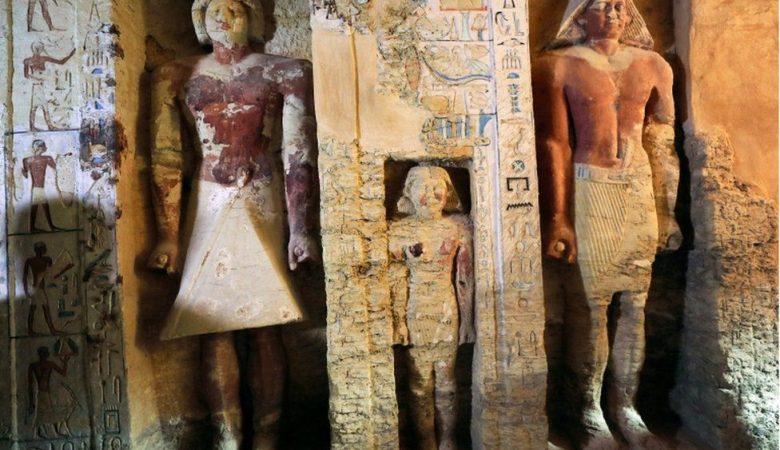 В Египте обнаружили нетронутую древнюю гробницу (фото)