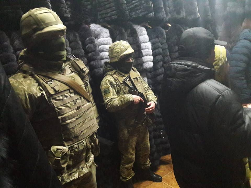 "На рынке ""Барабашова"" выявлена ""меховая"" контрабанда"