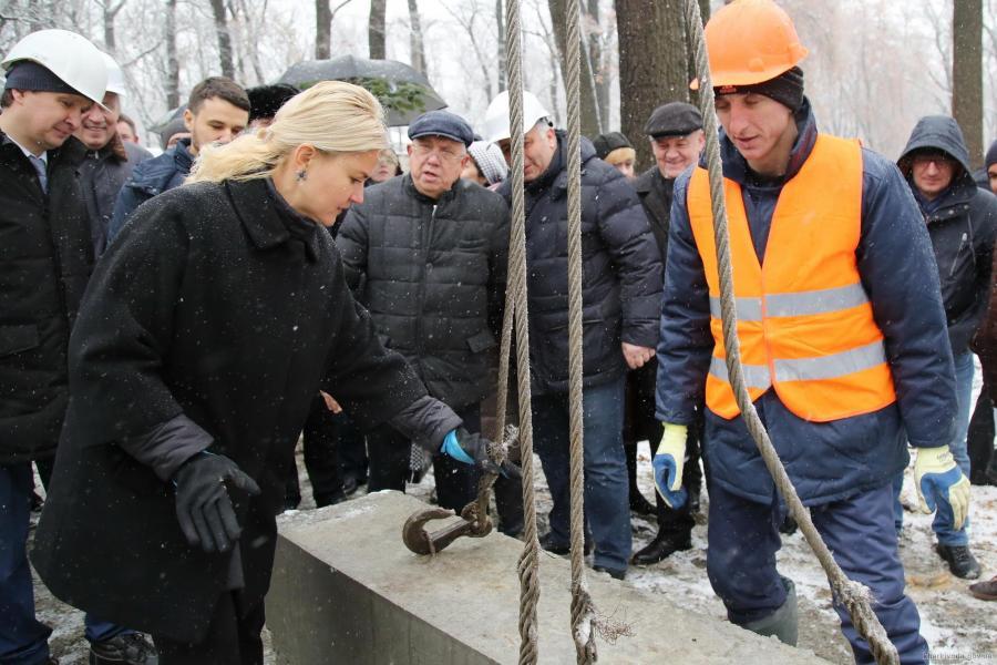 На Харьковщине заложили «первый камень» строительства нового онкоцентра
