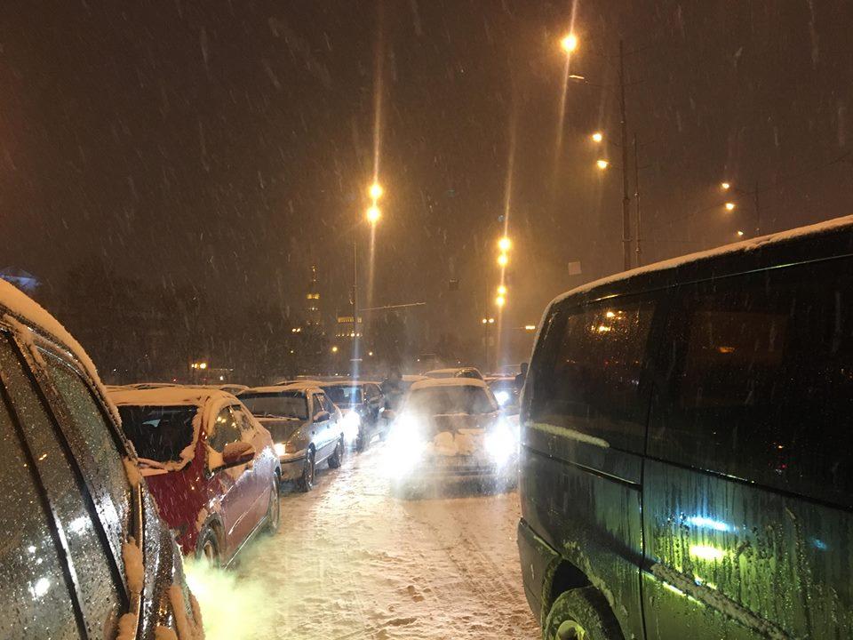 В центре Харькова – транспортный коллапс (фото)