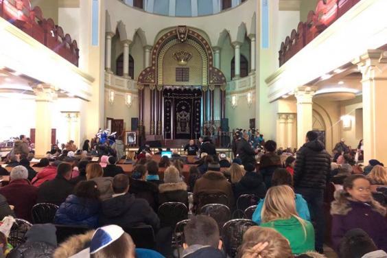 В Харькове празднуют Хануку (фото)